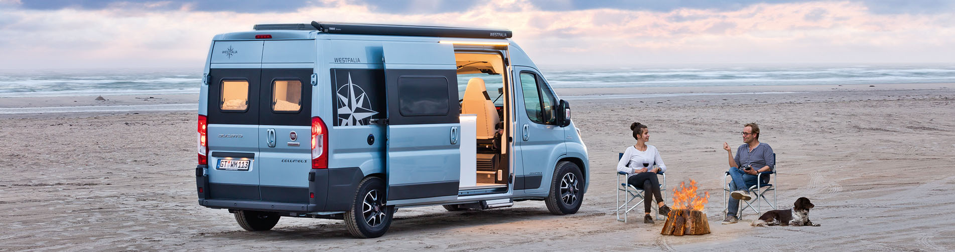 westfalia-couple-on-beach-slider