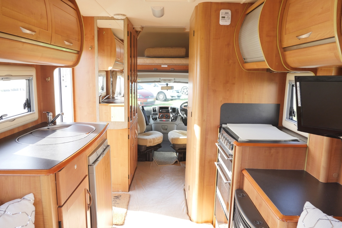 Used Campervans For Sale >> Autotrail Apache 634 2010